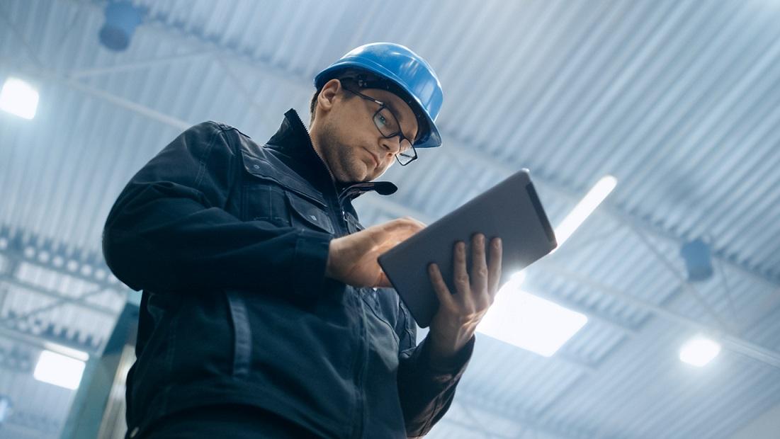 Työajanseurantaratkaisun valinta – opas onnistuneeseen hankintaan isossa yrityksessä