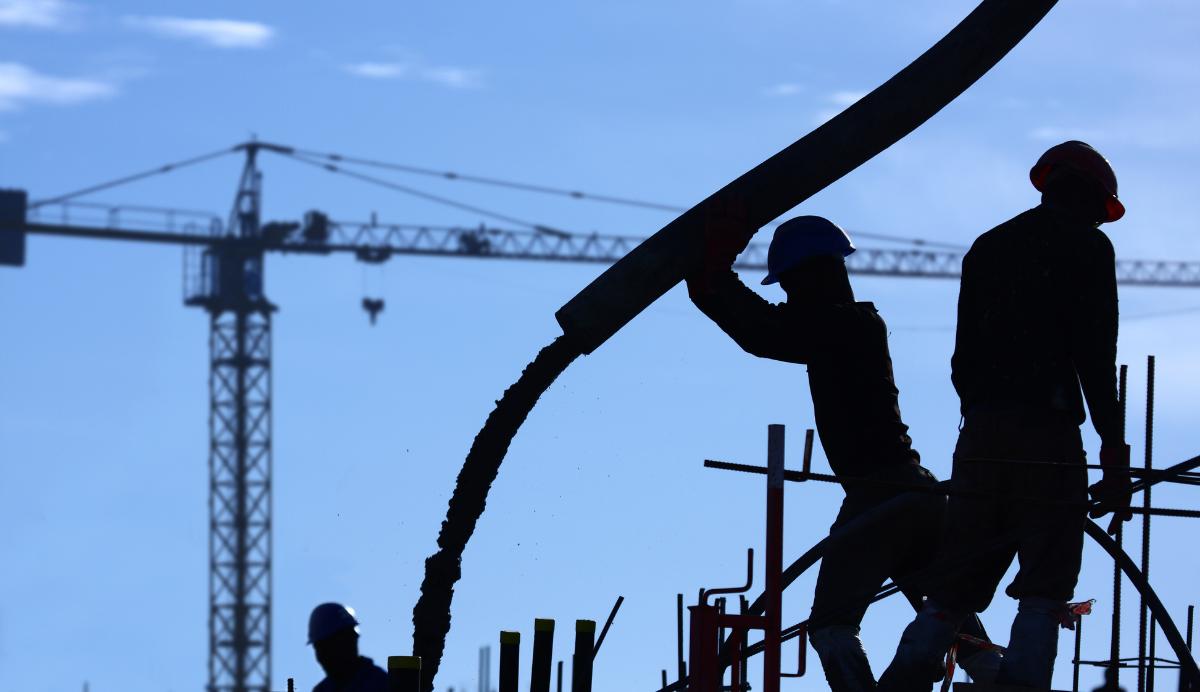 Miten estää laittomat työntekijät rakennustyömailla?