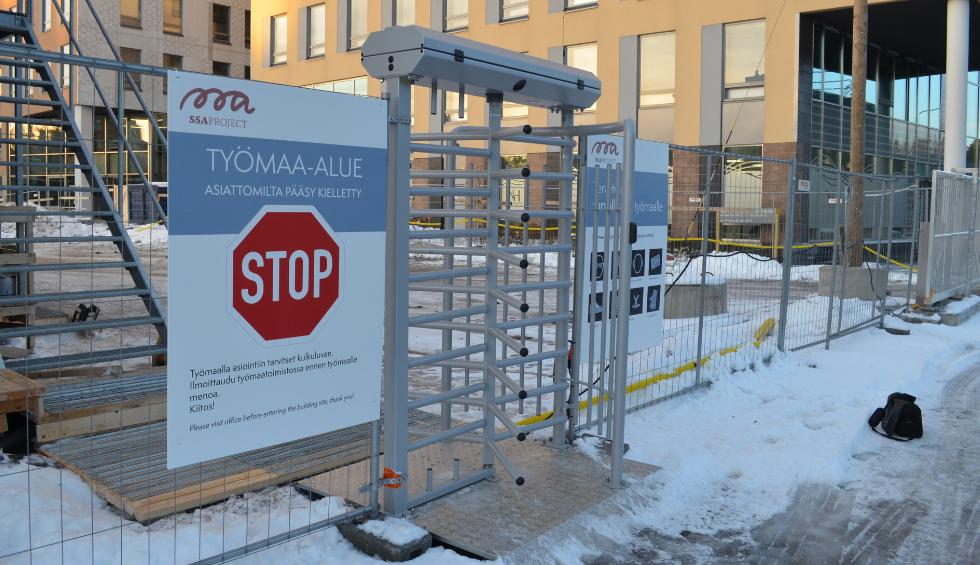 Miksi Suomessa on maailman turvallisimpiin lukeutuvia rakennustyömaita?